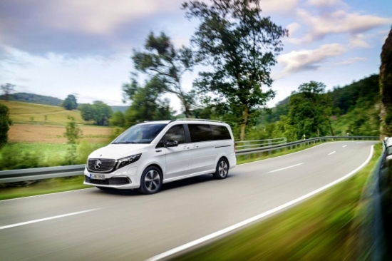 Mercedes-Benz EQV with 204 liters. from. and autonomy over 400 km